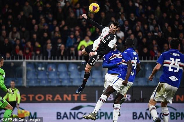 Ни черта себе! Криштиану Роналдо подпрыгнул вверх на 2.4 метра и завис в воздухе, но забил головой красивый гол для Ювентуса
