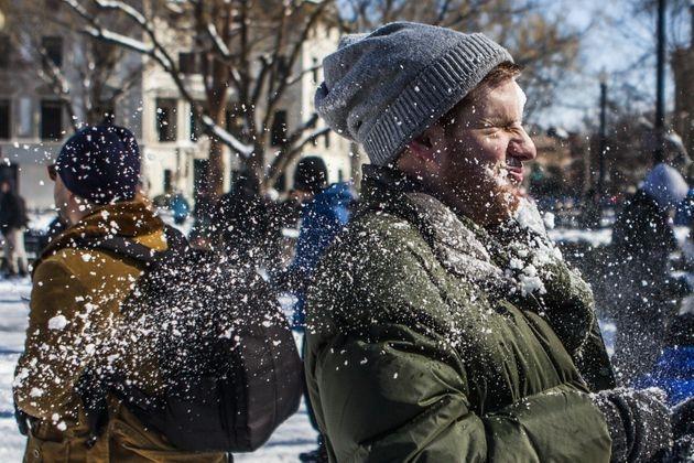 Город Висконсин может отменить 57-летнее запрещение на бросание снегом