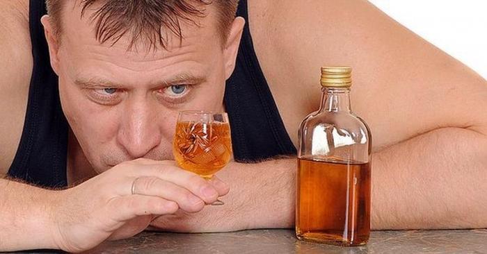 Херес и портвейн опьянят вас быстрее всех других алкогольных напитков, и похмелье от них заковыристое, предупреждает доктор