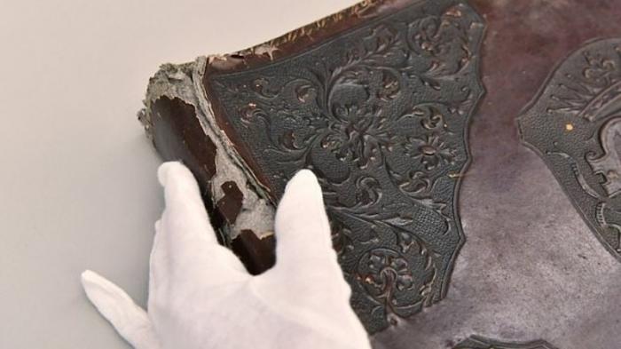 В Польше найден фотоальбом в переплете из  кожи человека