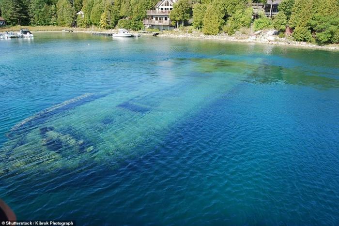 На картинках показаны некоторые из 6000 кораблекрушений, которые произошли в Великих Озерах Северной Америки