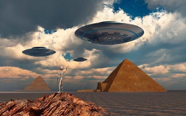 Ведущий астроном считает, что инопланетяне существуют, но они, вероятно, неразумные микробы