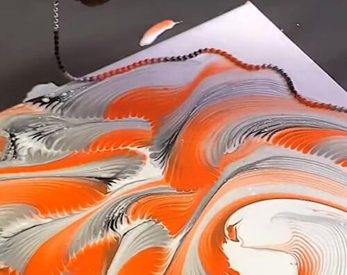 С помощью бус можно нарисовать удивительные картины