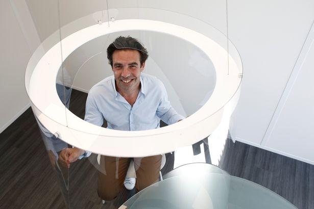 Владельцы ресторанов могут начать использовать стеклянные «коконы» для обеспечения безопасности посетителей