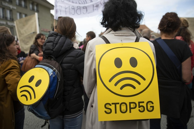 Компания Ericsson приостанавливает монтажные работы из-за протестов против 5G