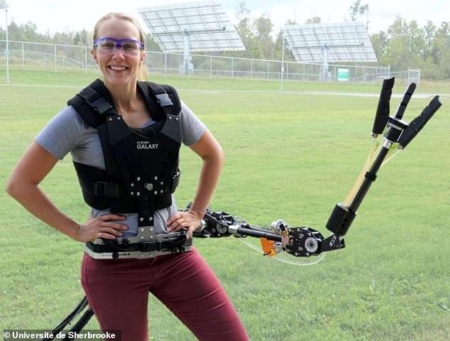 Навесная роборука с гидравлическим приводом может держать инструменты, пробивать стены и играть в теннис