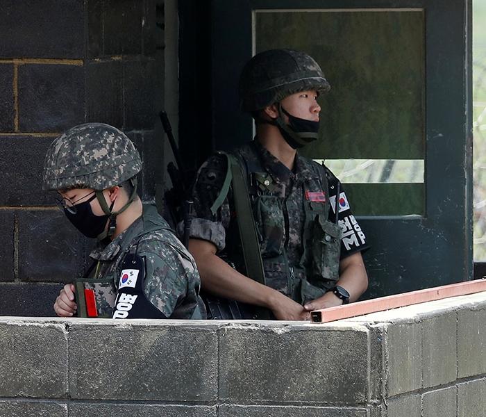Северная Корея взорвала узел связи на границе и привела армию в боеготовность