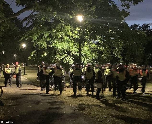 Британская полиция против уличных музыкантов