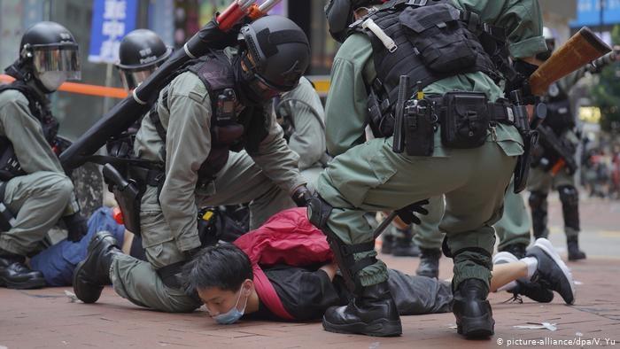 Лидеры гонконгского протеста бросили свою партию