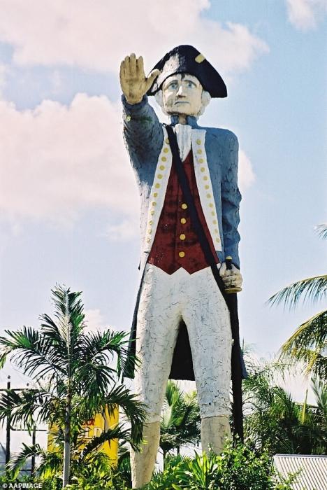 Более 12 000 австралийцев требуют, чтобы статуя капитана Кука была убрана из-за его связей с «колониализмом и геноцидом»