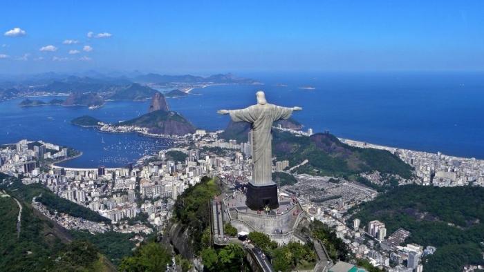 Негритянский боксёр захотел снести статую Христа в Рио-де-Жанейро
