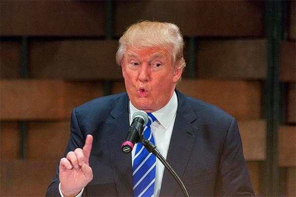 Трамп пообещал обнулить налоги американцев в случае переизбрания
