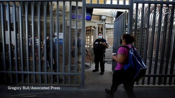Американцам могут запретить возвращение в США из-за опасности коронавируса