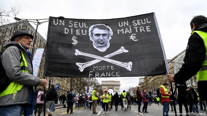 Президент Франции поддержал протестующих в Белоруссии
