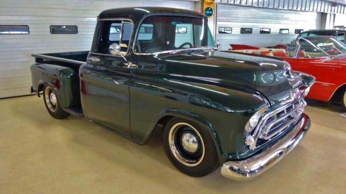 Мужчина из Миннесоты продает грузовичок Chevy 57 по той же цене, что и 44 года назад