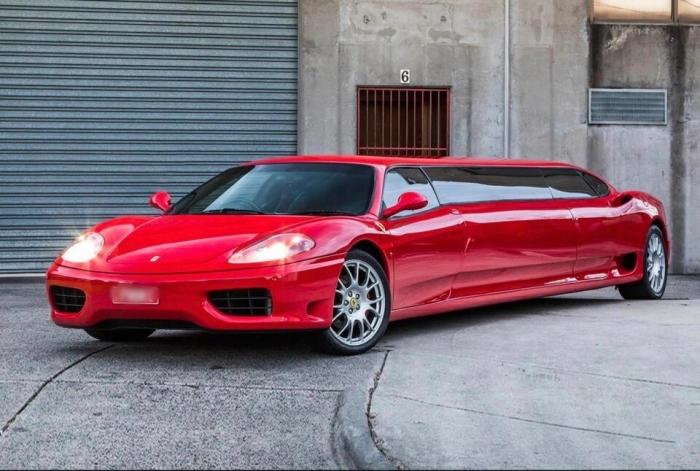 Самый быстрый лимузин в мире переделанный из Ferrari может стать вашим за 160 000 фунтов стерлингов (15,8 млн. рублей)