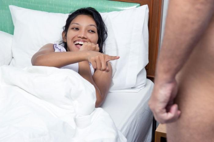 27-летняя девственница говорит, что у нее никогда не было секса, потому что она «смеется в неподходящие моменты»