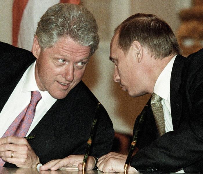 В сети появились рассекреченные переговоры Клинтона и Путина
