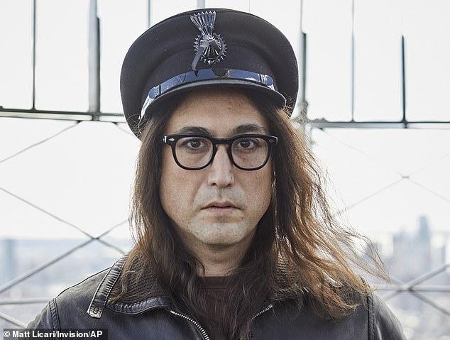 Сын Джона Леннона Шон бросает вызов логике, предлагая пирамиды «немедленно снести пока фараоны не проснулись»