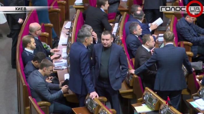 На Украине шок. Власти объявили, что через 15 лет пенсии выплачиваться вообще не будут