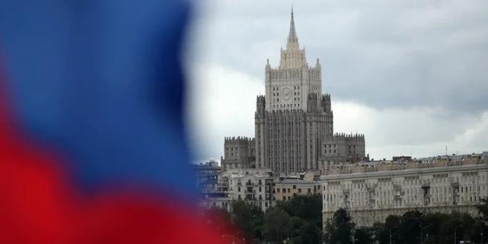 Ереван и Баку приняли предложение Путина о консультациях в Москве