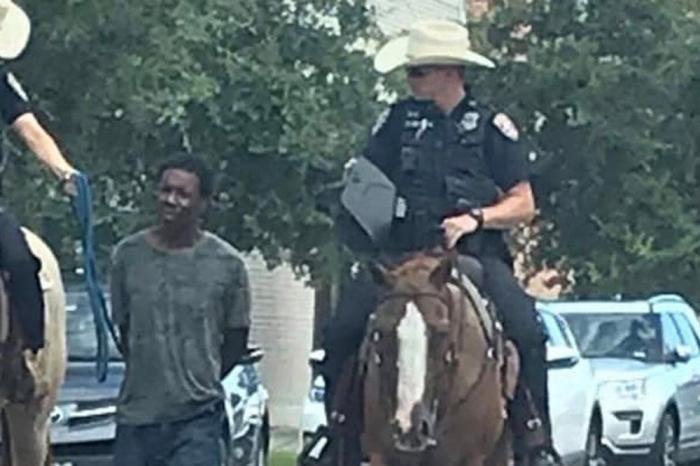 Полицейские привязали негра к лошади и получили иск в суд