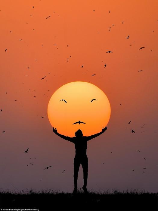 Фотограф, кажется, управляет солнцем на удивительных иллюзорных картинках