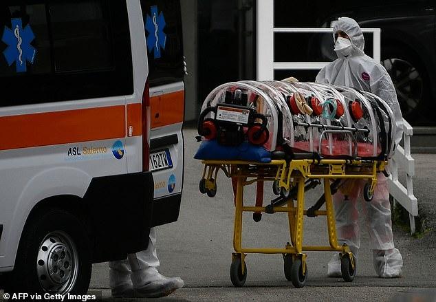 Мертвый «пациент Ковид» в туалете больничной палаты и люди, «брошенные в собственных экскрементах» - это опять про Италию