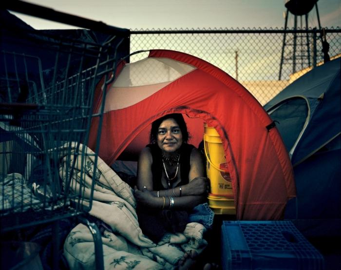 Навязчивые фотографии показывают, что бедность нашего века не похожа ни на одну другую