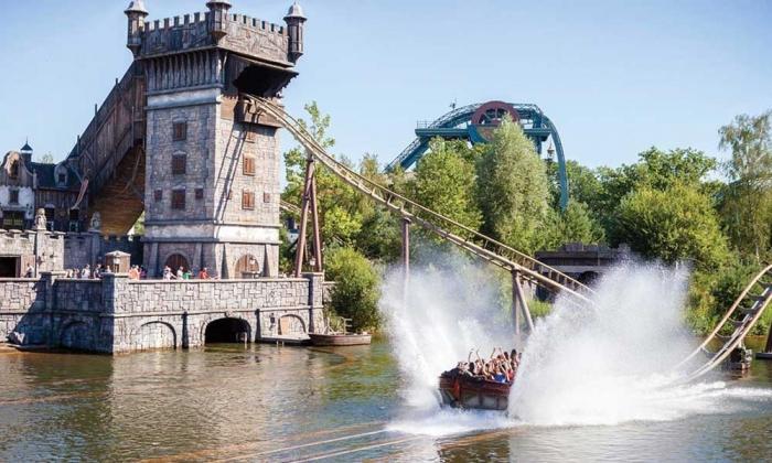 Не грустите вас ждёт один из крупнейших тематических парков Европы со сказочными замками