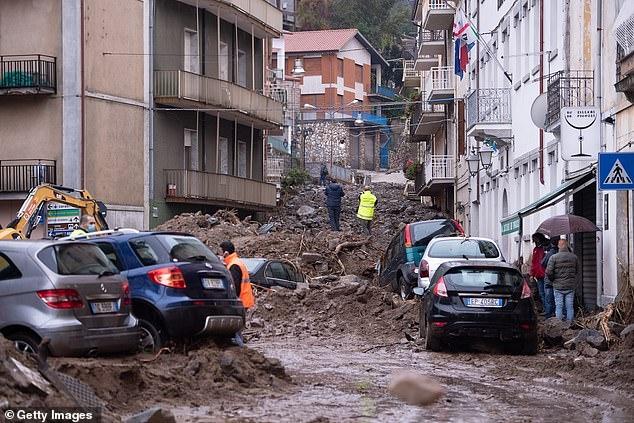 В результате проливного дождя и оползней 3 человека погибли в городе Битти на Сардинии