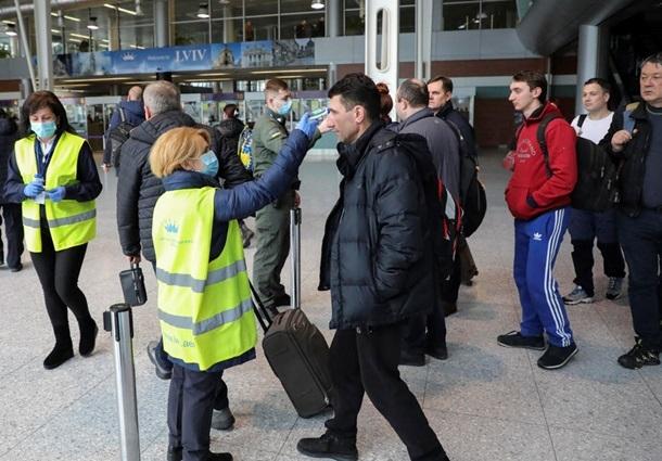 На Украине с 8 января вводят строгий карантин