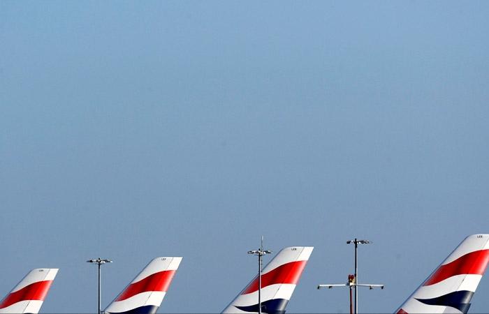 Давно пора: Россия прерывает авиасообщение с Англией