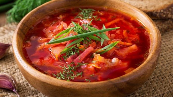 Авторитетный ресторанный гид Мишлен назвал борщ блюдом русской кухни