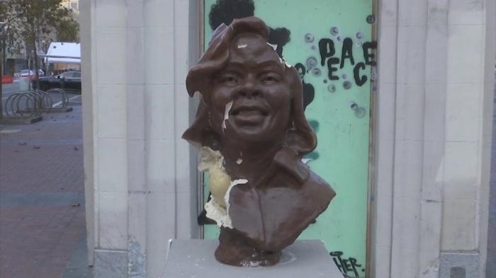В Калифорнии разрушили скульптуру, поставленную в честь подруги наркоторговца