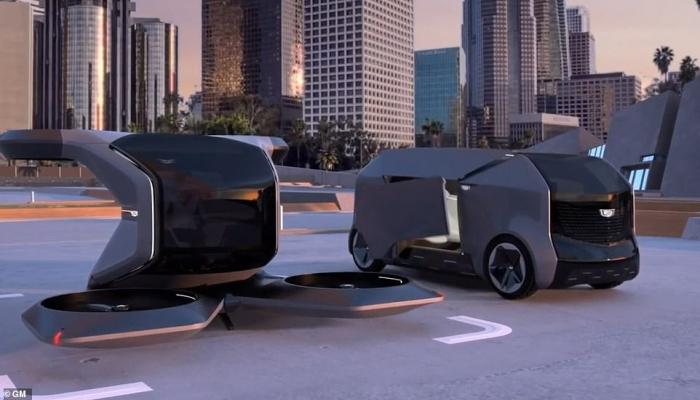 Дженерал Моторс показала летающий автомобиль, развивающий 90 км в час вместе с самоуправляемым шаттлом