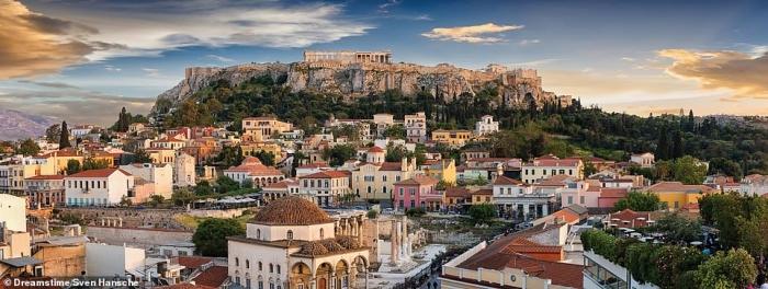 Потрясающие виды Греции. Монастыри на скалах, невероятно прекрасные деревни. Фото сплошной красоты