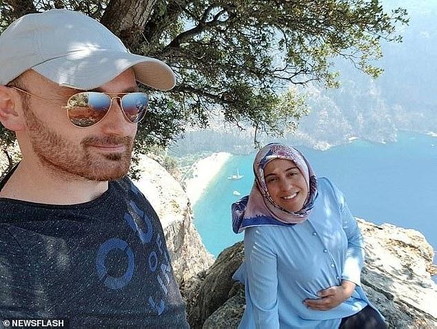 Муж турок позирует со своей беременной женой «за мгновение до того, как он сбросил ее со скалы, чтобы получить деньги по страховке»