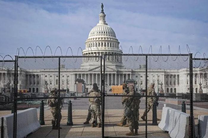 Страх перед народом: заседание конгресса США отменили из-за угрозы атаки