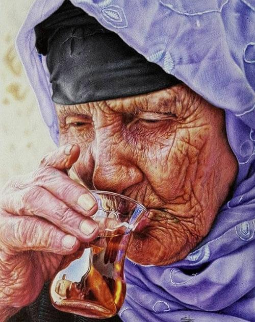 Художник с помощью шариковых ручек рисует удивительные картины