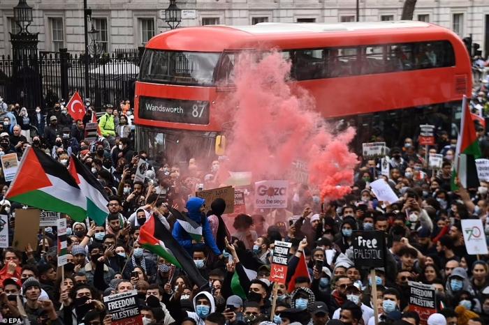 Антиизраильские протесты проходят по всему миру после резкой эскалации насилия в отношениях с ХАМАС