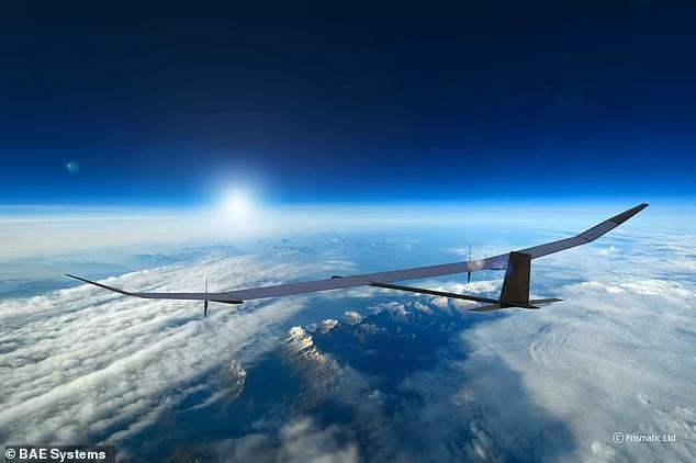 Английский беспилотник на солнечных батареях, который может летать на высоте 21 километр в течение года, будет мониторить перемещение войск