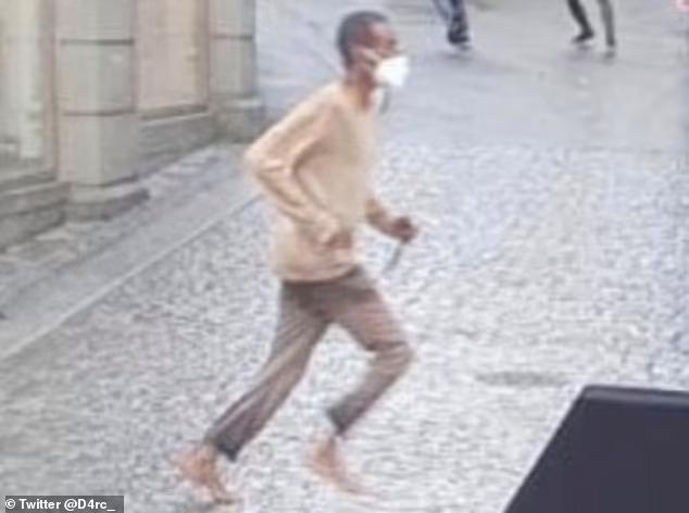 Сомалиец, вооруженный ножом, убил трех человек и ранивший еще шестерых во время уличного буйства в Германии, кричал «Аллах Акбар»