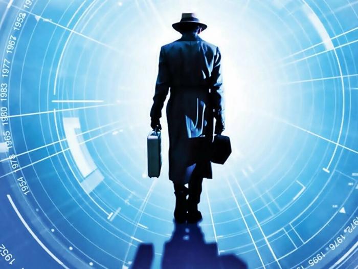 «Путешественники во времени» делятся странными прогнозами на 2021 год – от «супергероев» до «великой волны»
