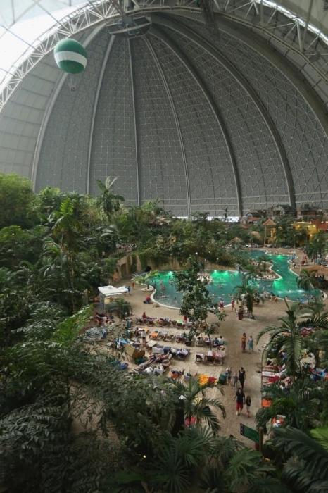 Внутри самого большого аквапарка в Мире - где круглый год температура 30C
