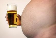 Питье одного пива каждый день может защитить вас от ожирения и слабоумия!