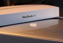 По заявлению компании Apple, заклеивание камеры на ноутбуках Mac может привести к проблемам с экраном