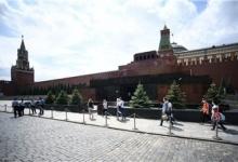 Американский художник хочет выкупить тело Ленина и построить мавзолей в Вашингтоне.