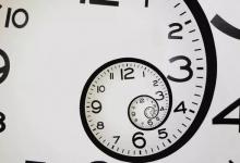 Никаких парадоксов путешествия во времени не существует. Время и пространство само корректируется, если нужно