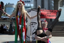 Лукашенко предложил отчислять митингующих студентов